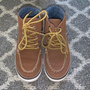EUC Gap Sneakers with zip up sides